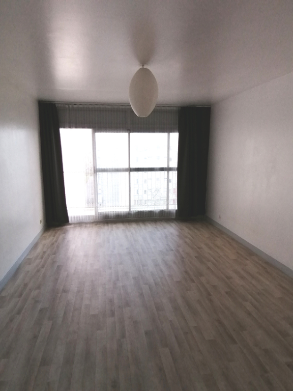 A LOUER BREST KERGOAT/FACS APPARTEMENT 1 PIECE DE 30 M²
