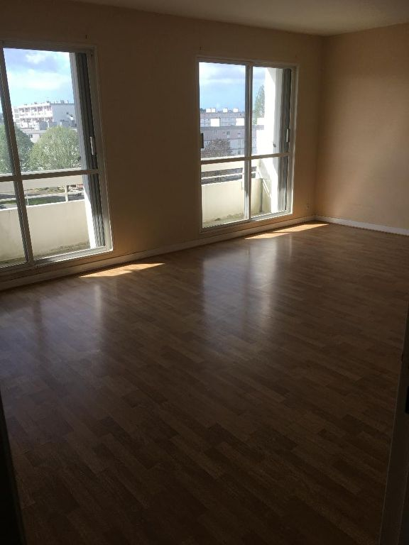 APPARTEMENT A VENDRE  T3 EXPOSE SUD OUEST BALCON 2 CHAMBRES VUE DEGAGEE CHAUFFAGE INDIVIDUEL BREST BELLEVUE