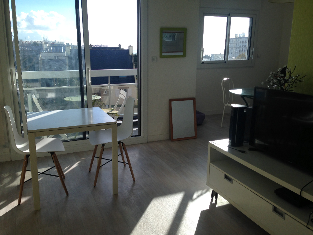 A VENDRE APPARTEMENT 3P VUE MER PARKING BREST SAINT MARC GUELMEUR
