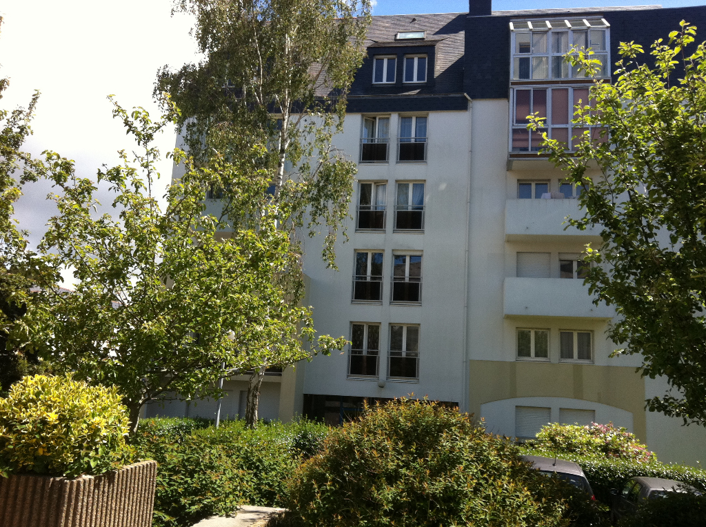 EXCLUSIVITE A VENDRE APPARTEMENT DE 3P DE 61 M2 PARKING PRIVATIF BREST