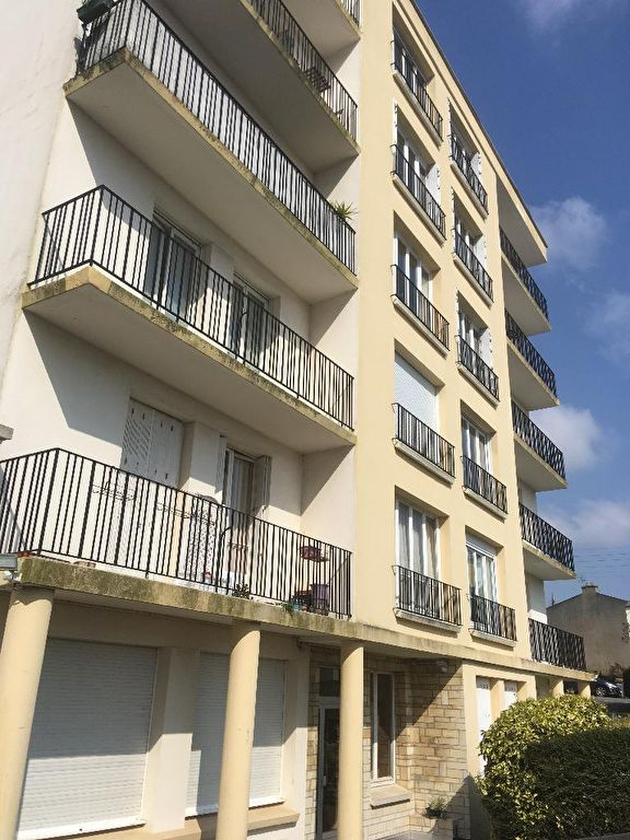 APPARTEMENT A VENDRE 2 PIECES 45M² BELLE RESIDENCE  DALLE BETON CUISINE AMENAGEE BREST ST-MICHEL