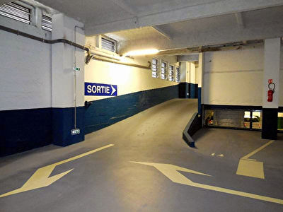 A VENDRE INVESTISSEUR LOT DE 2 PLACES DE PARKINGS CENTRE VILLE DE BREST